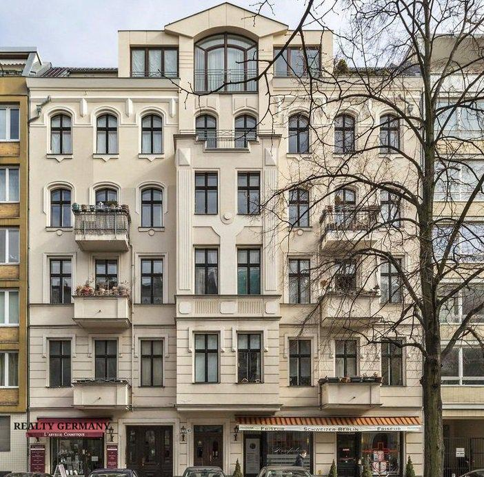 Buy-to-let apartment in Charlottenburg-Wilmersdorf, photo #1, listing #81322038