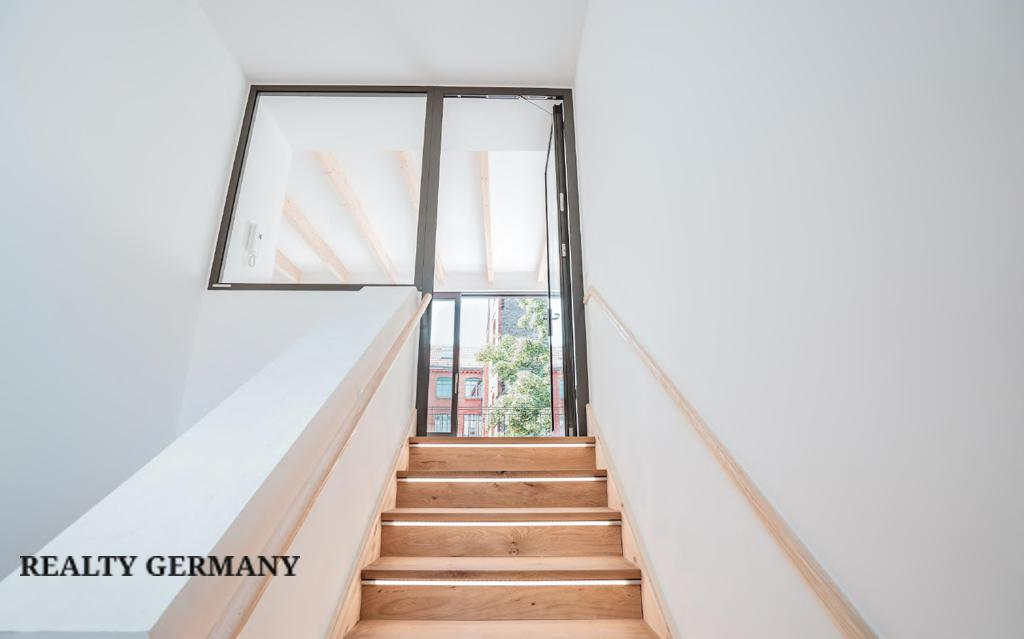 Apartment in Friedrichshain-Kreuzberg, photo #5, listing #81314394