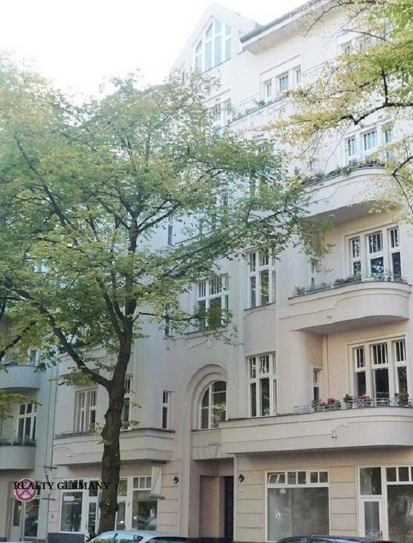 Buy-to-let apartment in Charlottenburg-Wilmersdorf, photo #1, listing #81322122