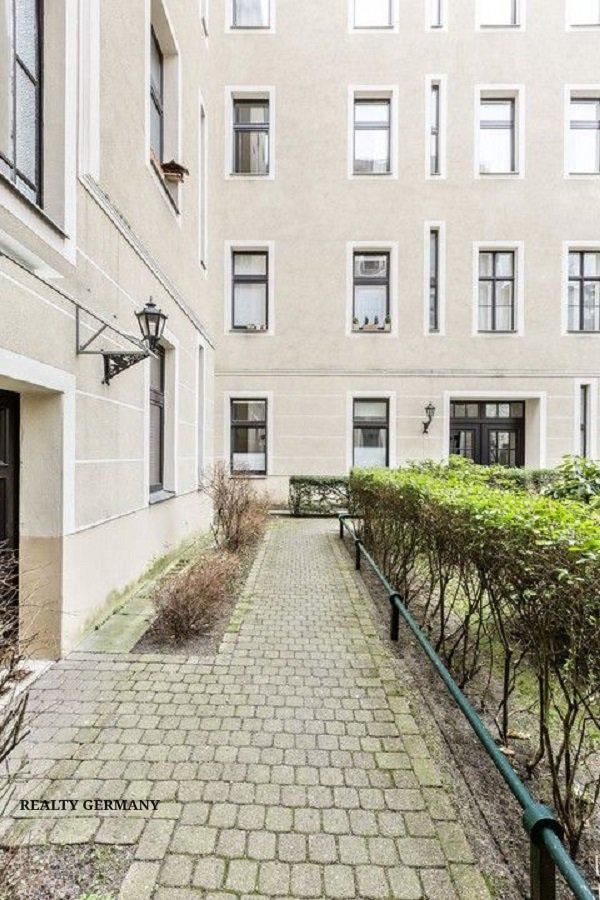 Buy-to-let apartment in Charlottenburg-Wilmersdorf, photo #2, listing #81322038