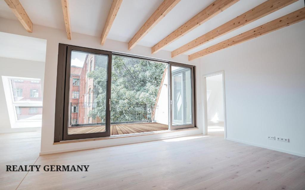 Apartment in Friedrichshain-Kreuzberg, photo #3, listing #81314394