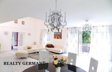 5 room apartment in Baden-Baden, 200 m²