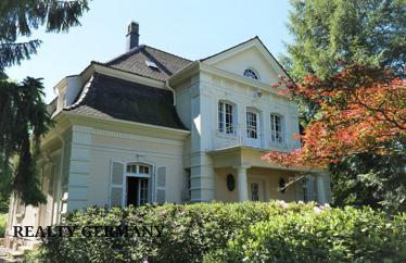 8 room villa in Baden-Baden, 239 m²