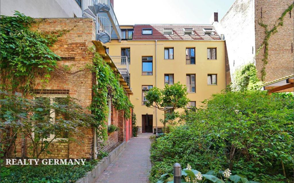 Apartment in Friedrichshain-Kreuzberg, photo #9, listing #81314394